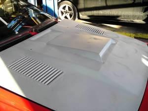 car 2 GTV6 w-all metal bodywork no title V low res