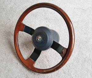 interior GTV6_milano wood steering wheel